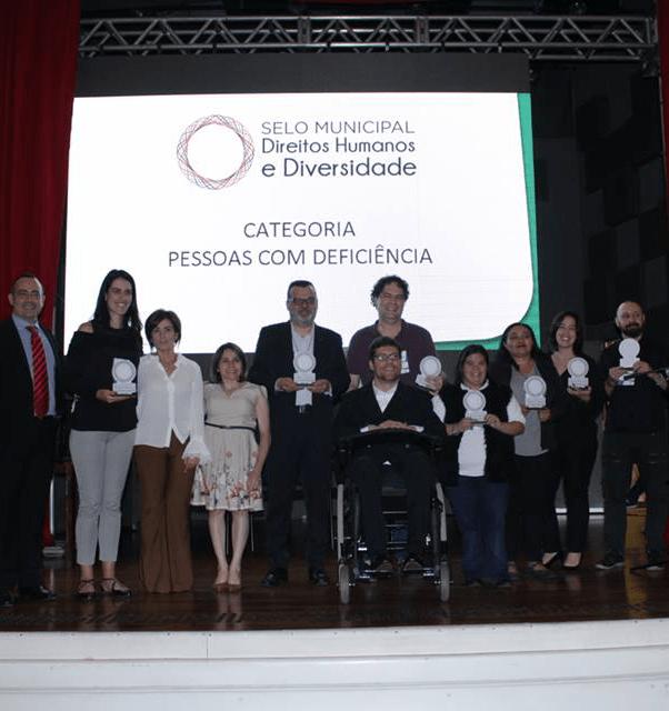 Santa Causa ganha Selo Municipal Direitos Humanos e Diversidade